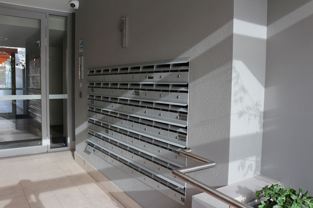 Entry with letterboxes